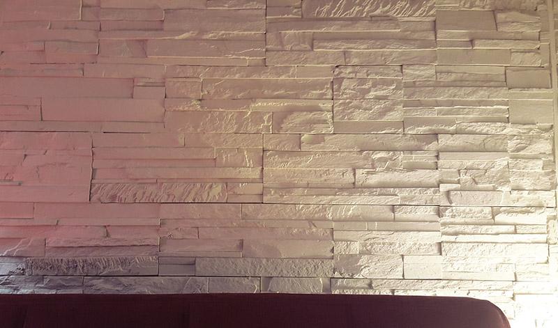 monolocale milano muro effetto mattone